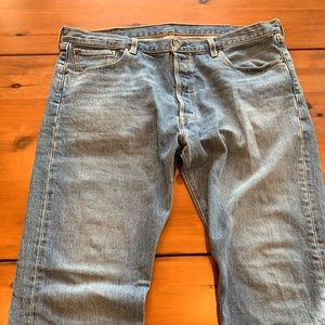 Men's Levi's 501 fit jeans